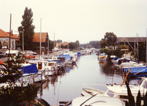 ZW_HAVENKADE_050 Zwartewaal; De haven van Zwartewaal, ca. 1990