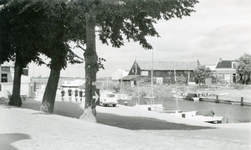 ZW_HAVENKADE_053 Zwartewaal; De haven van Zwartewaal, 1961