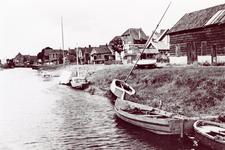 ZW_HAVENKADE_056 Zwartewaal; De Havenkade in Zwartewaal, ca. 1955