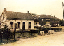 ZW_HENRYFORDSTRAAT_003 Woning en garage langs de Henry Fordstraat; ca. 1930
