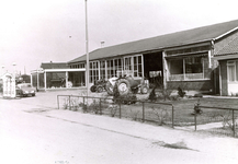 ZW_HENRYFORDSTRAAT_005 Ford garage langs de Henry Fordstraat; ca. 1965