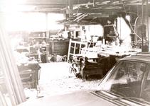 ZW_HENRYFORDSTRAAT_007 Interieur van een garage langs de Henry Fordstraat; ca. 1968