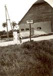 ZW_HENRYFORDSTRAAT_013 Boerderij van Boender, Hacide Boender (1883-1973) en Adriaantje J. Herweijer (1889-1967). In ...