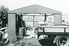 ZW_HENRYFORDSTRAAT_019 Bouw van houten gebouw van de autospuiterij van R. v.d. Hoek; 1957