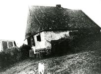 ZW_MEELDIJK_002 Woning van de familie Koene aan de Meeldijk, verwoest op 5 december 1944 door de Duitse bezetter. Jan ...