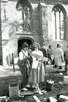 ZW_SCHOOLSTRAAT_032 Rommelmarkt bij en t.b.v. de Ned. Hervormde Kerk (St. Martinuskerk); 12 juni 1986