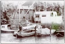 ZW_WERFPLEIN_006 Zwartewaal; Rond het begin van de jachtwerf en camping van de familie Van der Zee, 1959