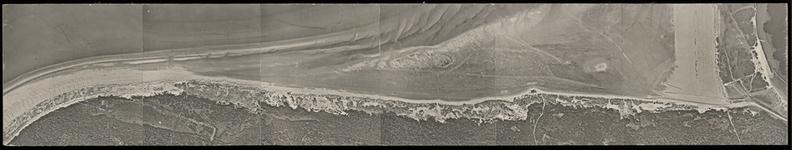 FOTO_HARDBOARD_014 Satellietfoto van de duinen van Voorne bij het Strandweg; ca. 1980