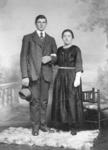 NLL036 huwelijksfoto van Arie Peters (1889-1976), (zoon van Andries Peters en Jacomijntje Roskam) en Neeltje Arentje ...