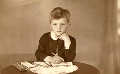NLL038 Andries Jan Peters (1928 - 1996), (zoon van Arie Peters en Neeltje Arentje Nieuwland); ca. 1935