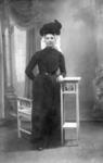 NLL051 Saartje Jacoba Peters (1882-1973). Dochter van Andries Peters en Jacomijntje Roskam. Vanaf 1906 echtgenoot van ...