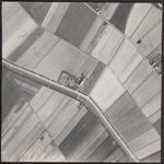 LUCHTFOTO_VOORNE_008C De Schrijversdijk, de Koolhoekweg en de Hoonaardweg; ca. 1963