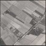 LUCHTFOTO_VOORNE_033C De Prinsenweg en de Achterdijk; ca. 1963