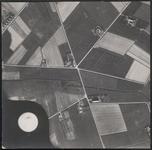 LUCHTFOTO_VOORNE_041C De Geldweg, de Bijlweg en de Dijkweg. De laaijekreekseweg en de Welleweg; ca. 1963