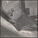 LUCHTFOTO_VOORNE_046C Het strand, de Westdijk, de Schenkeldijk en de Zuiddijk; ca. 1963