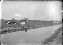 GN2103 Gezicht op de Catharijnekerk, de Bedevaartskerk en de watertoren; ca. 1922