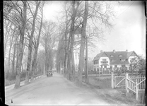 GN2216 De watertoren met naastgelegen woning; ca. 1925