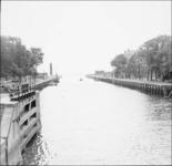 GN3218 Hellevoetsluis; De haven van Hellevoetsluis (spiegelbeeld), 1935
