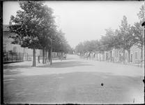 GN5051 De Dorpsstraat in Nieuwenhoorn; ca. 1920