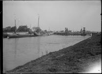 GN5087 De brug bij de Vlotbrug; ca. 1920