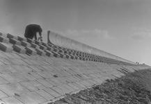 B1140 Aanleg van dijklichaam of kade; 10-11-1955
