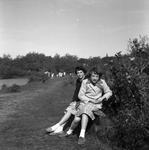 C1385 Neli en Wilma; 1 april 1960