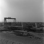 C1665 De bouwput van het sluizencomplex voor de Haringvlietdam; 3 juni 1960