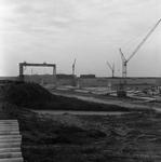 C1666 De bouwput van het sluizencomplex voor de Haringvlietdam; 3 juni 1960