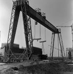 C1667 De bouwput van het sluizencomplex voor de Haringvlietdam; 3 juni 1960