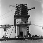 C1668 De bouwput van het sluizencomplex voor de Haringvlietdam; 3 juni 1960