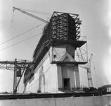C1669 De bouwput van het sluizencomplex voor de Haringvlietdam; 3 juni 1960