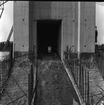 C1671 De bouwput van het sluizencomplex voor de Haringvlietdam; 3 juni 1960