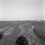 C2030 De onverharde Lageweg in Vierpolders; maart 1989