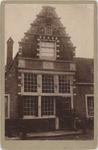foto-30201 Trapgevel (anno 1623) Breedstraat 32 te Enkhuizen omstreeks 1900, 1900