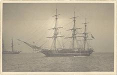 foto-15324 Het opleidingsvaartuig der KNM. De Urania voor Hoorn, 1900