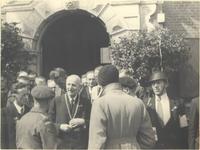foto-7525 Begroeting van de Canadezen. 7 mei 1945, 1945