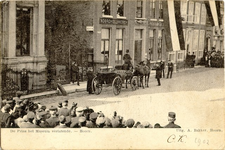 foto-4239 De Prins het Museum verlatende. - Hoorn, 1902, 18 maart