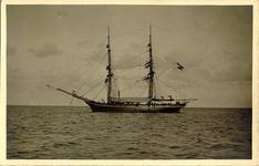 foto-5279 Opleidingschip (?) de 'Pollux' voor de rede van Hoorn, 1900