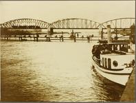 190 Collectie foto's GasfabriekVoor de drinkwatervoorziening van de aan de overzijde gelegen wijk De Worp werden ...