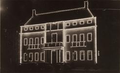 21573 Deventer - 1937 - 7 januariVersierde stad t.g.v. het huwelijk van Prinses Juliana en Prins Bernhard. Stadhuis, ...