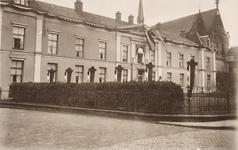 21577 Deventer - 1937 - 7 januariStraatversiering t.g.v. het huwelijk van Prinses Juliana en Prins Bernhard. Oude ...