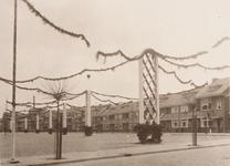 21581 Deventer - 1937 - 7 januariStraatversiering t.g.v. het huwelijk van Prinses Juliana en Prins Bernhard.