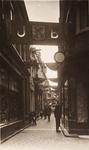 21583 Deventer - 1937 - 7 januariStraatversiering t.g.v. het huwelijk van Prinses Juliana en Prins Bernhard. ...
