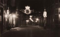 21599 Deventer - 1937 - 7 januariVersierde stad t.g.v. het huwelijk van Prinses Juliana en Prins Bernhard. Smedenstraat ...