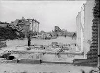 121 Glasnegatieven Fotografen J.H. RutgersDeventer - Ossenweerdstraat,Deze foto toont het definitieve einde van de in ...