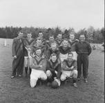 2024 Deventer - Persfotograaf D.W. Nijland : Elftal van de Deventer voetbalvereniging De Gazelle Opgericht 3 mei 1908.
