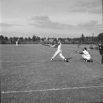 4570 Deventer - Persfotograaf D.W. Nijland: Honkbalwedstrijd. locatie onbekend.