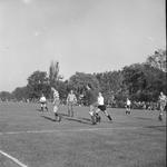 4654 Deventer - Persfotograaf D.W. Nijland: Voetbalwedstrijd Daventria Voorst.