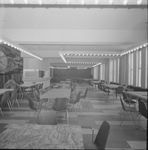 4894 Deventer - Persfotograaf D.W. Nijland: De aula van het Alexander Hegius gymnasium aan de Noordenbergstraat.