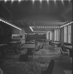 4900 Deventer - Persfotograaf D.W. Nijland: De aula van het Alexander Hegius gymnasium aan de Noordenbergstraat.